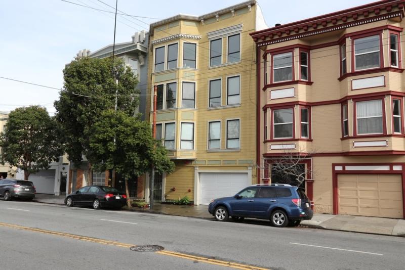 1045 S Van Ness Ave APT 101, San Francisco, CA 94110