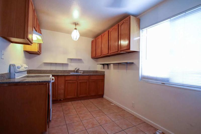 409 E Santa Fe Ave, Pittsburg, CA 94565