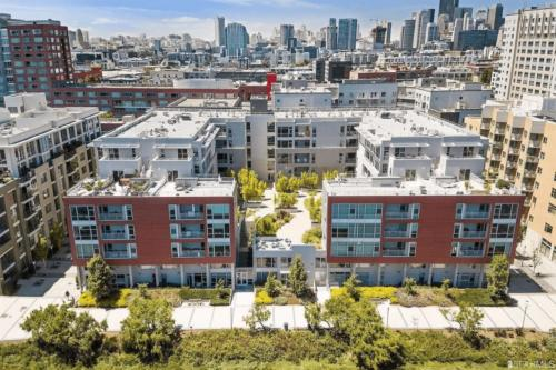 235 Berry St APT 408, San Francisco, CA 94158