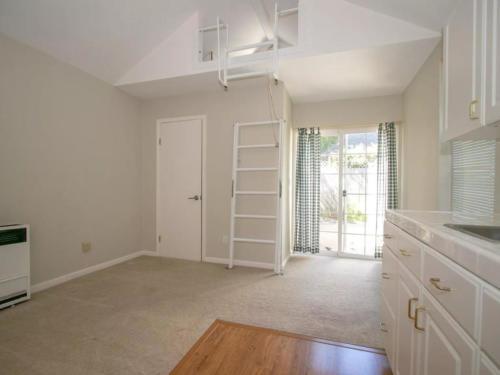 241 Princeton Rd, Menlo Park, CA 21