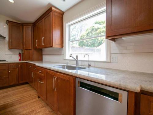 241 Princeton Rd, Menlo Park, CA 4
